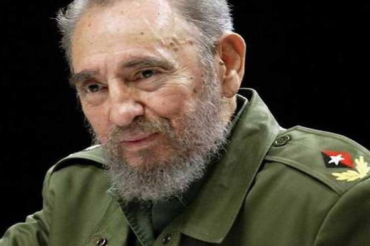 French Environment Minister Says Fidel Castro is a Historic Monument