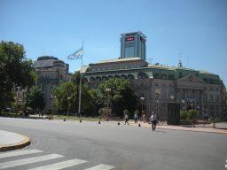 La Plaza de Mayo es sitio de obligado encuentro en Buenos Aires. Foto del autor
