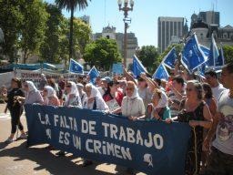 Foto 4-Las Madres de la Plaza de Mayo salen cada jueves a manifestarse. Foto del autor