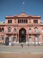 La Casa Rosada es la sede del Poder Ejecutivo de la República Argentina.