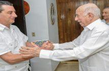 Machado intercambió con el visitante acerca del contenido y alcance estratégico de los documentos adoptados en el Séptimo Congreso del Partido. Foto: José M. Correa/Granma