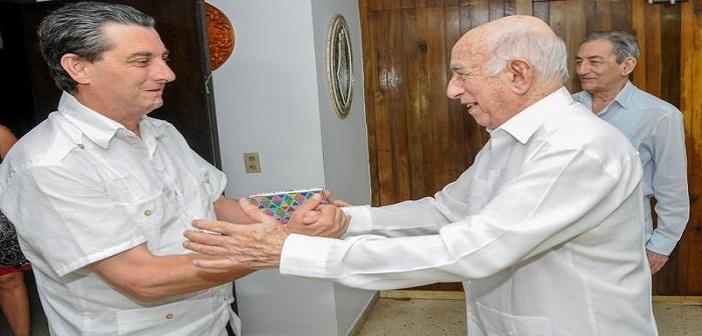 Recibe Machado Ventura a delegación de España