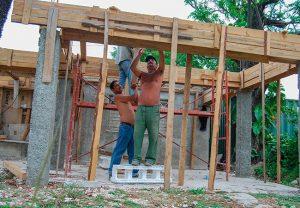 Impulsan reparación de viviendas