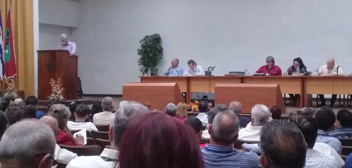 Asiste Díaz-Canel a la reunión de balance del Instituto Cubano de la Radio y la Televisión que sesiona en La Habana