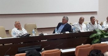 President of Cuba attends closing of Symposium on the Cuban Revolution