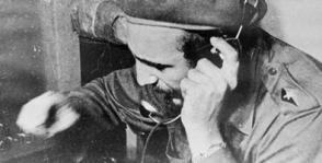 Exhiben teléfono usado por Fidel en Playa Girón