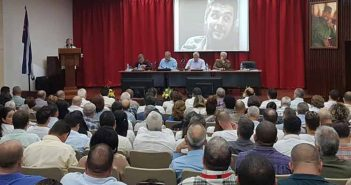 Cuba's President calls to boost electricity production