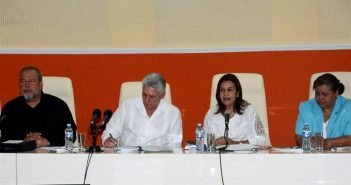 President of Cuba heads Ministry of Science Annual Assembly